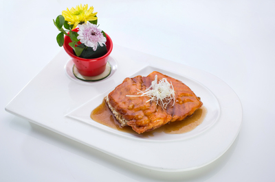 Pan-Seared Salmon Fillet in Lemon Sauce